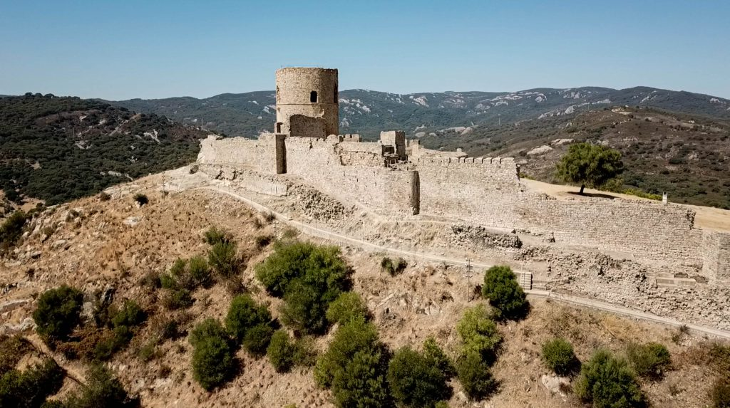 Vista aérea castillo Jimena de la frontera.