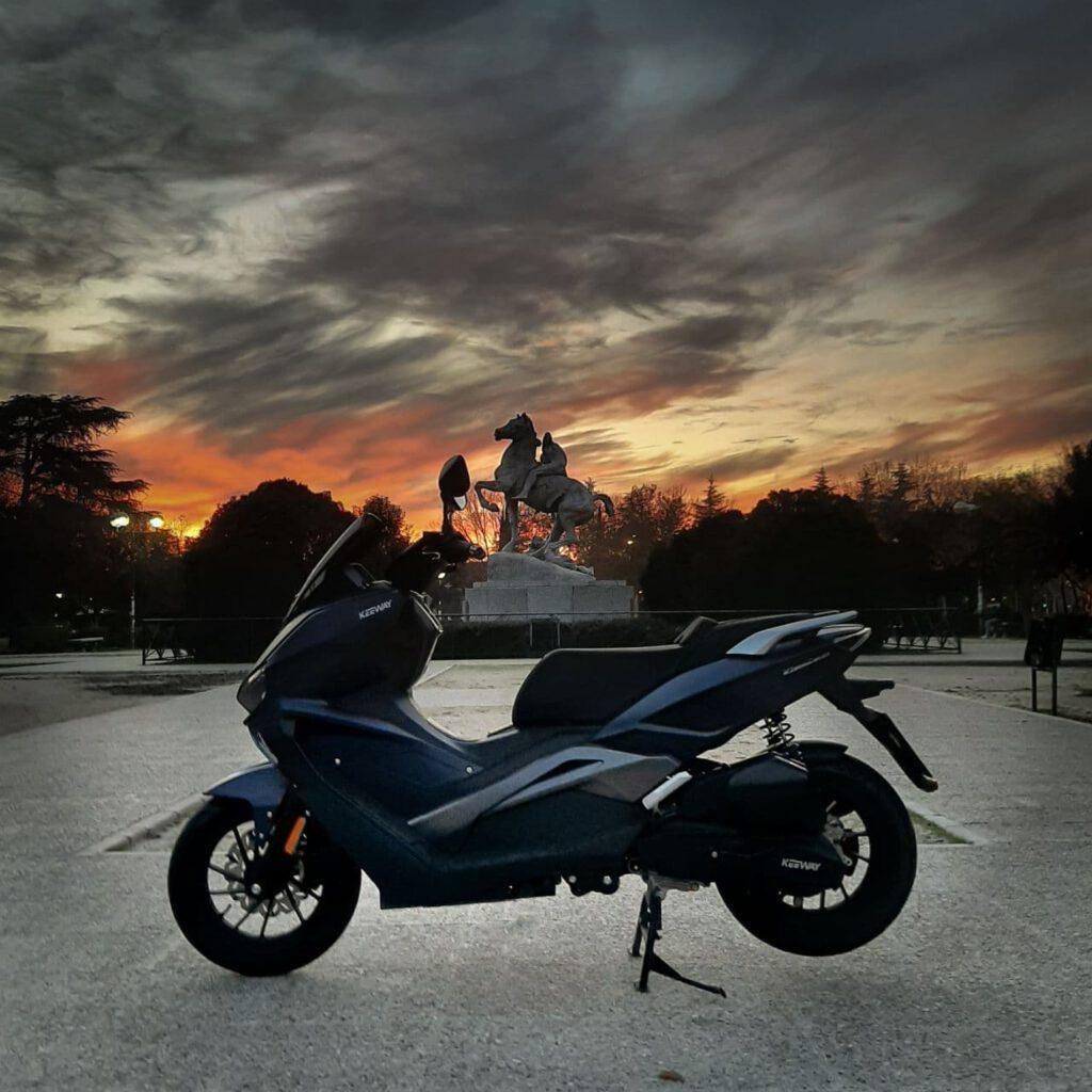 keeway vieste 125 azul scooter scoopy scooter economica moto urbana